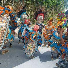 Comparsa Revelacion Carnavalesca de Villa Juana en el carnaval de punta cana #CarnavalDominicano #Carnaval2017 #carnavalpuntacana