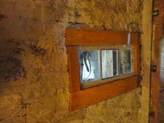 Pilsner och Pigment: Restaurerad ladugårdsvägg