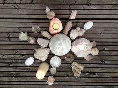 #TCGN: #FullMoon #CrystalGrid #GroundingLight and sending love to all people suffering sadness and confusion right now