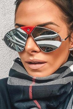 A great selection of trendy clothes, shoes and fashion jewelry. Get your most stylish look with affordable price! Blonde Bob Wig, Blonde Bobs, Hexagon Sunglasses, Mirrored Sunglasses, Chic Outfits, Trendy Outfits, Polarized Sunglasses, Sunglasses Women, Camouflage Coat