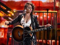 Pin for Later: The Best Moments From the 2015 Latin Grammy Awards