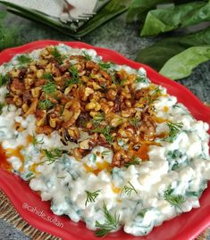 Image may contain: 1 person, food Iftar, Appetizer Salads, Appetizers, Turkish Salad, Turkish Recipes, Ethnic Recipes, Wrap Recipes, Salad Recipes, Good Food