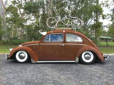 Bug and bike Ferdinand Porsche, Vw Conversions, Vintage Cars, Antique Cars, Old Bug, Automobile, Rat Look, Cafe Racing, Trucks And Girls