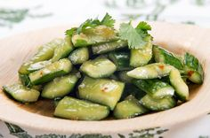 Smashed Cucumber Salad Takes Manhattan - The New York Times