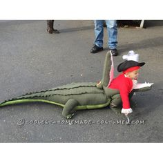 Cute Toddler Halloween Costume - Captain Hook getting eaten by Tick Tock Croc! Toddler Costumes, Baby Costumes, Adult Costumes, Funny Costumes, Disney Costumes, Halloween Costume Contest, Halloween Cosplay, Costume Ideas, Holidays Halloween