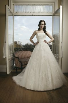Style #8682   @Justin Dickinson Alexander wedding gown   Strapless wedding gown with tulle & lace   So lovely!