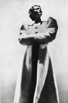 George Hoyningen-Huene Coat by Hermes, 1936 Photograph ©Estate of George Hoyningen-Huene
