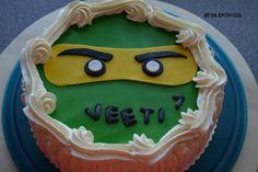 Kirsin keittiössä: Lego Ninjago - kakku Lego Ninjago, Desserts, Food, Tailgate Desserts, Deserts, Essen, Postres, Meals, Dessert