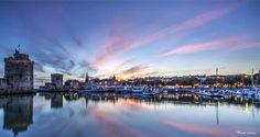 Visiter la Charente-Maritime - La Rochelle #larochelle #vieuxport #charentemaritime Tour Eiffel, Horizon New York, Poitou Charentes, Belle Villa, France, New York Skyline, Beautiful, Travel, Paris Seine