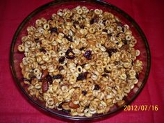 #FoodFunHop :: Fruity Cheerios Snack Mix by http://theluckyladybug.net