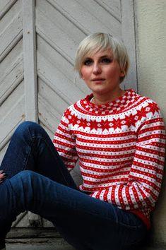 BLÅ: RED med rundfelling, huh og heldigvis for det! Sweater Knitting Patterns, Knitting Designs, Knit Patterns, Fair Isle Knitting, Hand Knitting, Ravelry, Norwegian Knitting, Fair Isles, Pattern Fashion