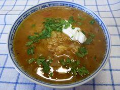 Uzależniająca zupa z czerwonej soczewicy ~ Lepsza wersja samej siebie Thai Red Curry, Soup, Vegetarian, Ethnic Recipes, Soups