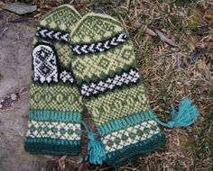 "Solveig Larssons ""Ylva"" Mittens Pattern, Knit Mittens, Mitten Gloves, Knitting Socks, Hand Knitting, Knitted Hats, Knit Socks, Wrist Warmers, Hand Warmers"