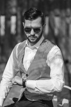 Antonio Gatti iti prezinta o vesta de sezon.  #vestabarbati #modabarbati #antoniogatti #vestacarouri Smart Casual, Black And White, Fashion, Chic, Jacket, Moda, Fashion Styles, Black White, Fasion