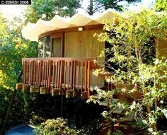 Leon Meyer round house in Oakland Hills Oakland Hills, Round House, Mid Century Modern Design, Midcentury Modern, Exterior, Cabin, Architecture, House Styles, Houses