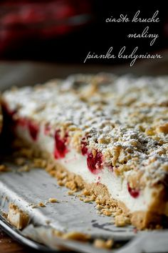 Light  raspberries crumb cake with a light pudding mousse
