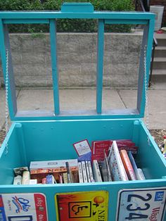 Little-Free-Library-001.jpg http://minnesota.publicradio.org/collections/special/columns/state-of-the-arts/archive/2012/06/your-little-neighborhood-library.shtml#