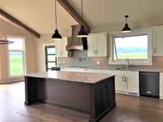 Rustic kitchen with the modern twist. Country Builders, Home Builders, Rustic Kitchen, Home Kitchens, Modern Farmhouse, Home Decor, Kitchen Rustic, Decoration Home, Room Decor