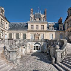 Le château de Fontainebleau by Ganymede