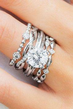 diamond wedding rings twist ring white gold round diamond uneekjewelry #twistingrings #diamondweddingrings