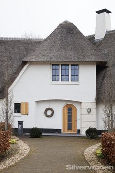 entree rietgedekt woonhuis Rijssen architect SILVERwonen