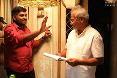 Here are the stills of Mani Ratnam with Simbu and Arun Vijay during the shooting of Chekka Chivantha Vaanam. Arun Vijay, Mani Ratnam, Film Inspiration, Behind The Scenes, Bubble, Cinema, Hollywood, Dark, Life