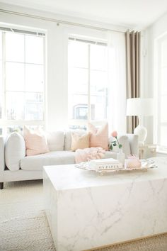 Living Room Ideas: These Living Room Pillows Will Elevate Your Living Room Decor Today! Pillow Room, Living Room Pillows, Living Room Inspiration, Home Decor Inspiration, Decor Ideas, Room Ideas, Decorating Ideas, 31 Ideas, Creative Ideas