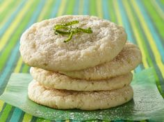 Caribbean Lime Coolers Cookies Prize-Winning Recipe Cool off with the tangy, sweet taste of the tropics in this easy drop cookie. Key Lime Cookies, Lemon Cookies, Fun Cookies, Sweet Cookies, Just Desserts, Delicious Desserts, Yummy Food, Lime Desserts, Delicious Cookies