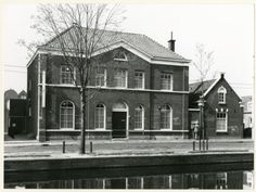 The Hague, Om, Cabin, Mansions, House Styles, Nostalgia, Manor Houses, Cabins, Villas