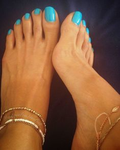 It's amazing, the longer my nails get, the more I desire my toes sucked and feet worshipped. The more I want you under my feet to walk all over you until 👣🌋 Pretty Toe Nails, Cute Toe Nails, Pretty Toes, Acrylic Toes, Long Toenails, Nice Toes, Soft Feet, Feet Nails, Foot Toe
