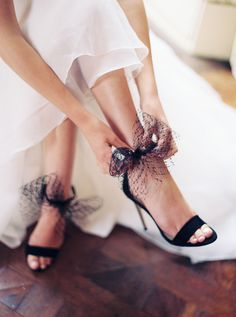 Dare to be different ! Black bridal shoes can be the element that will differentiate your bridal ensemble Wedding Shoes Bride, White Wedding Shoes, Wedding Bows, Bride Shoes, White Wedding Dresses, Wedding Ideas, Wedding Colors, Wedding Inspiration, Gown Wedding