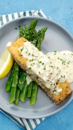 Garlic Parmesan Crusted Salmon Give your salmon a crispy crust with a panko and Parmesan rub drizzled with a creamy white wine sauce.Give your salmon a crispy crust with a panko and Parmesan rub drizzled with a creamy white wine sauce. Salmon Recipes, Fish Recipes, Seafood Recipes, New Recipes, Chicken Recipes, Dinner Recipes, Cooking Recipes, Healthy Recipes, Salmon Food