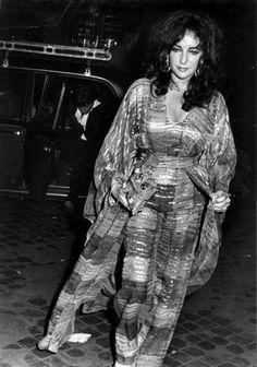 Elizabeth Taylor: R in FN