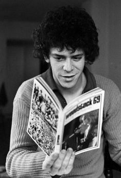 Lou Reed reading comics
