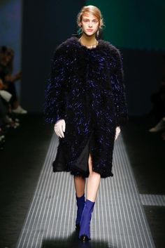 See the complete MSGM Fall 2015 Ready-to-Wear collection.