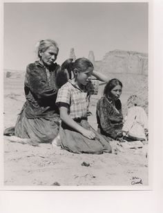 Navajo People (traditional bun) inside #MonumentValley Tribal park  only 45 minutes from#BluffUtah