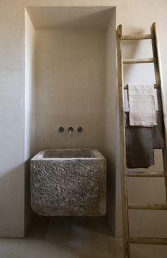 detail salle de bains maison dans les pouilles