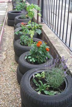 pneus jardinière #recyclage #quartierdesjantes www.quartierdesjantes.com