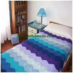 el-orgusu-yatak-ortusu-modelleri-13 Hand Knit Blanket, Knitted Blankets, Manta Crochet, Knit Patterns, Bed Spreads, Crochet Projects, Hand Knitting, Elsa, Kids Rugs