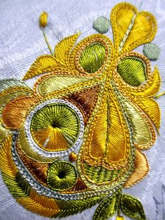 "It was night. -- C'était la nuit… – It was the night … – ""The little happiness of Miss T"" - Hand Embroidery Projects, Hand Embroidery Flowers, Tambour Embroidery, Types Of Embroidery, Mexican Embroidery, Crewel Embroidery, Embroidery Patterns, Art Du Fil, Art Textile"