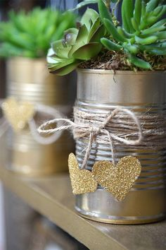 Spellbinders- Use Nestabilities Heart dies to create these recycled succulent cans. Created by Debi Adams. Tin Can Crafts, Crafts To Make, Crafts For Kids, Recycled Wedding, Tin Can Art, Diy Recycling, Small Space Interior Design, Diy Bottle, Diy Planters