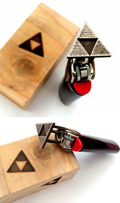 Brand the Triforce logo into anything you can imagine! This steel branding iron snaps right onto any standard Bic lighter for you to heat up and burn into anything you desire. Highly not recommended to be used on a Deku Shield.
