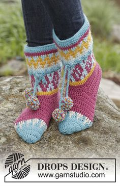 172-19 Rock Them Socks - free crochet pattern with charts by DROPS design. Multiple languages.