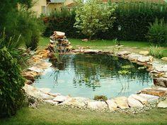 20 mesébe illő, csodálatosan szép kerti tó, ami neked is tetszeni fog! Back Garden Landscaping, Garden Pond, Small Back Gardens, Backyard Ideas For Small Yards, Backyard Designs, Small Waterfall, Garden Items, Dream Garden, Water Features