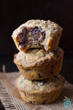 SKINNY Banana Chocolate Chip Quinoa Muffins - made gluten-free and vegan with healthy, whole-grain flours!