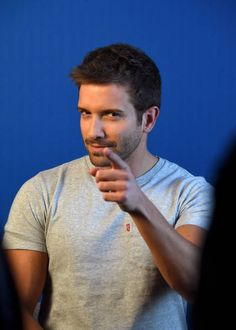 Pablo Alboran attends Person of the Year Rehearsals and the Pepsi Backstage Lounge during the annual Latin GRAMMY Awards at the Mandalay Bay. Jake Miller, Handsome Faces, Beautiful Saree, Perfect Man, Creative Photography, Victorious, Sexy Men, Crushes, Singer