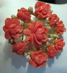 AMBER DAVIDSON Enamel Pink Daisy Trendy Brooch Flower Pin for Women and Mom Gift Simple Accessories