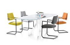 Our iconic Giorgo table with the Zack chairs