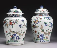 A large pair of famille-verte 'Phoenix' jars and covers, Qing dynasty, Kangxi… Asian Vases, Jar Art, Japanese Porcelain, China Art, Decorated Jars, Chinese Ceramics, China Painting, Objet D'art, Antique China