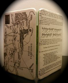 Lord of The Rings Book Page Wallet with Map of West of Middle